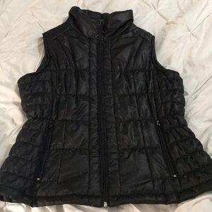 NEW YORK & COMPANY zippered vest size large